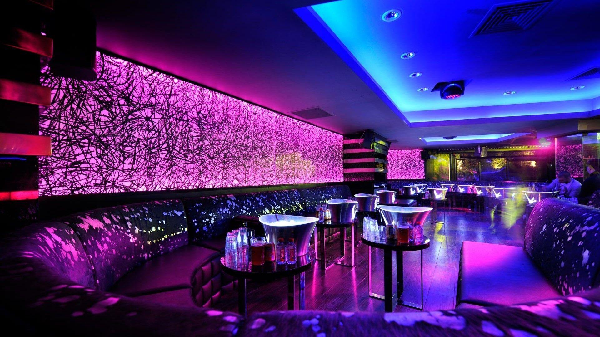 Bar/Night Club/Pub