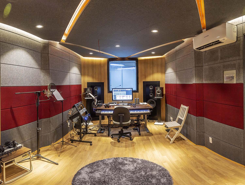 Hệ thống loa monitor âm tường DYNAMIK Professional của nhạc sỹ Nguyễn Hải Phong